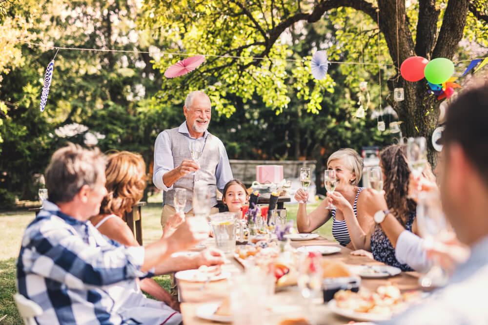 Großeltern und Paten sind ein Muss auf der Gästeliste
